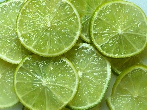 Limão no combate das celulites