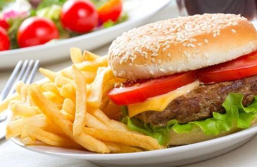 Hambúerguer Big Mac com batatas fritas