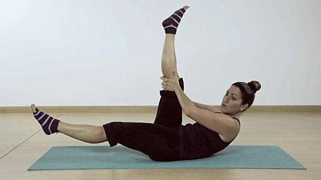 Exercício de Pilates para reduzir a cintura, quadril e coxas