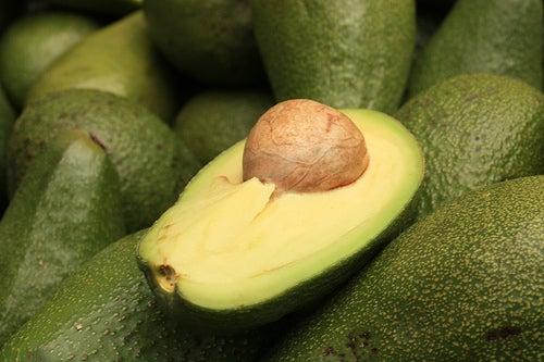 Abacate como ingrediente de vitamina para substituir refeição