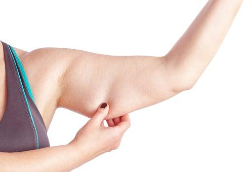 exercícios para combater a flacidez nas pernas e braços