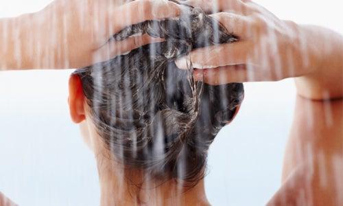 Cuidar dos cabelos naturalemente