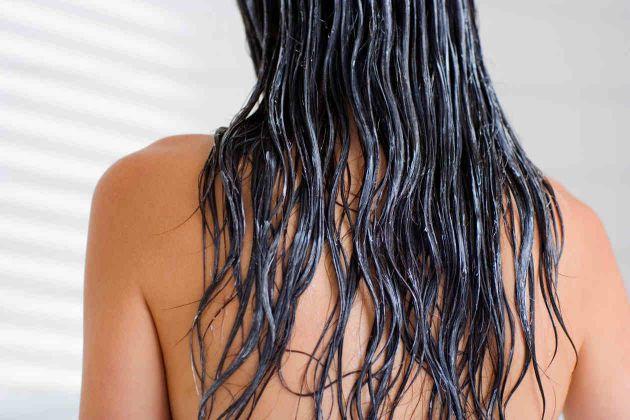 Tratar o cabelo crespo e rebelde