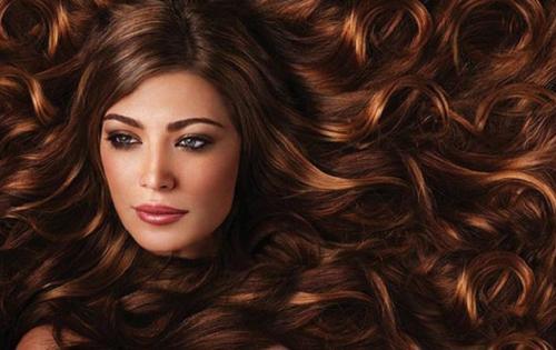 Dicas simples para tratar o cabelo crespo e rebelde