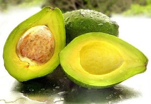 Abacate como ingrediente para rejuvenescer e tonificar a pele