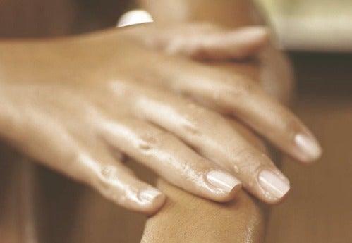 Inflamação nos dedos: qual a causa?