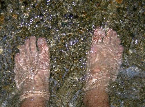 água fria ajuda a evitar as varizes