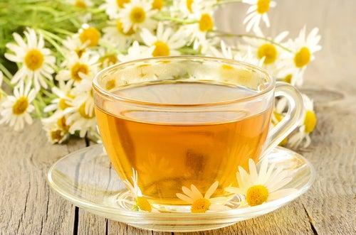 Chá de camomila contra o ressecamento dos olhos