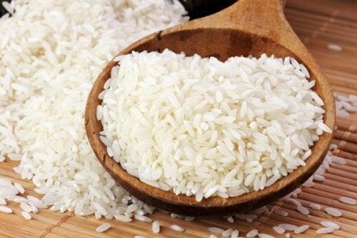 Os grandes benefícios da água de arroz