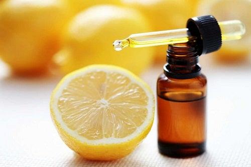 Azeite de oliva e limão para diminuir as manchas na pele