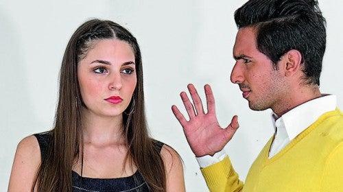 Pessoas discutindo