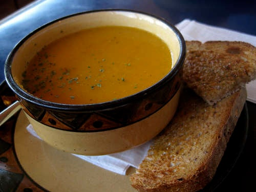 Dicas de sopas para aliviar os sintomas da gripe