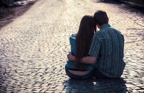 Tipos de amor em relacionamentos: de que maneira te amam?