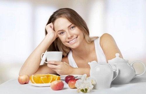 3 opções de café da manhã para reduzir a barriga