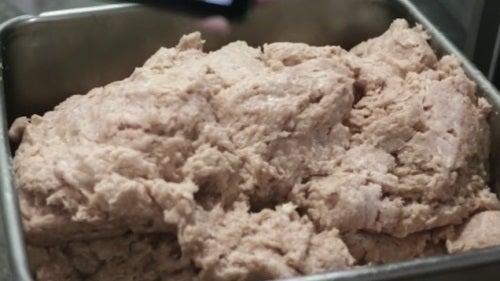 Como são feitos os nuggets de frango