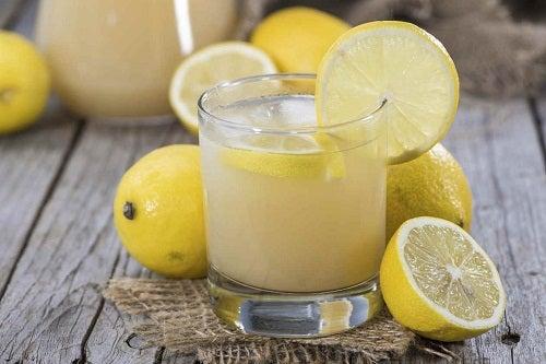 Suco de limão para indigestão