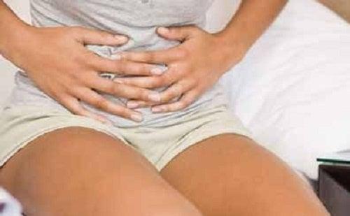 A canela ajuda a combater as cólicas menstruais