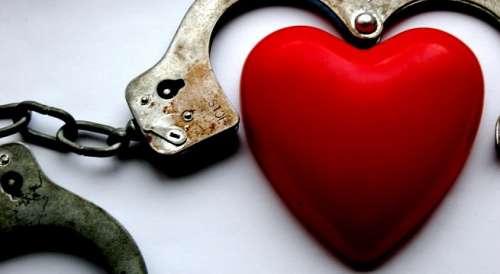 Coração preso em relacionamentos tóxicos