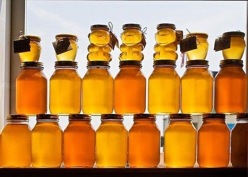 O mel tem propriedades curativas por isso é um remédio caseiro para herpes