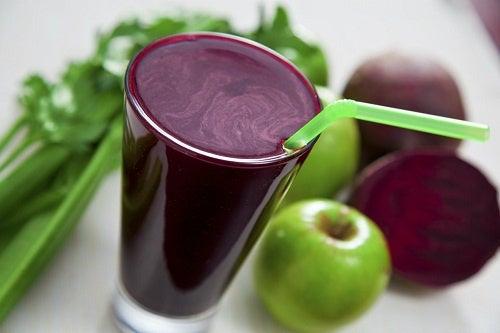 Sucos naturais para desintoxicar os rins