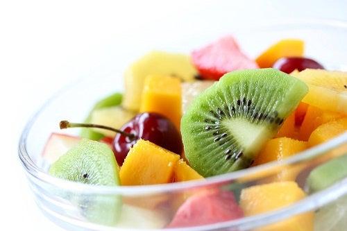 Consumir-frutas-em-compota