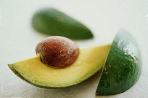 Abacate como tratamento anticelulite