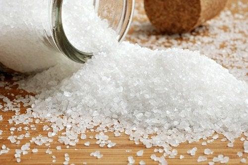 aliviar a enxaqueca de forma instantânea usando o sal