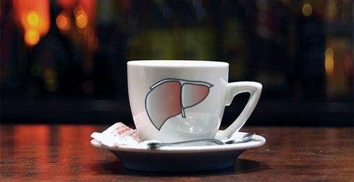 O café ajuda a proteger o fígado