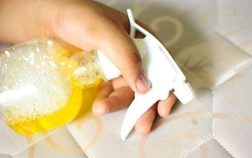 Saiba como desinfetar e limpar o colchão. Cuide da sua saúde!