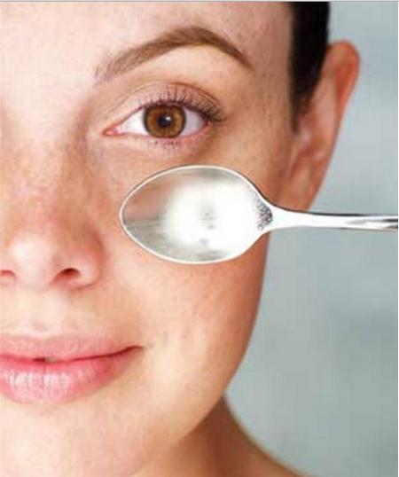Eliminar olheiras para aparentar olhos maiores