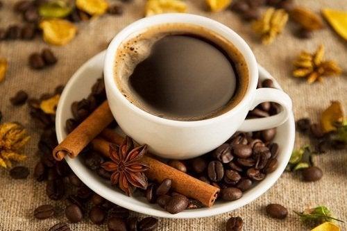 Benefícios do café no café da manhã