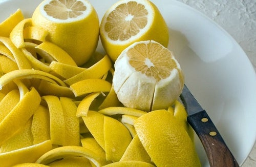 Casca de limão para as articulações