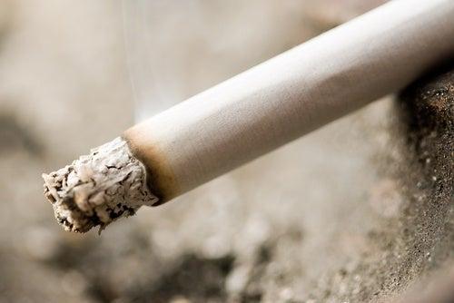 Pare com o cigarro se você tem dificuldades de dormir