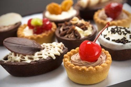 Os doces são alimentos que devem ser evitados durante a noite