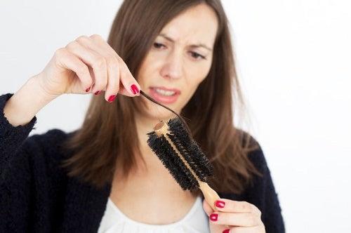 Queda de cabelo por estresse e óleos essenciais