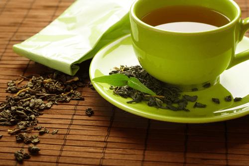 Xícara de chá verde