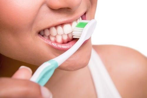 escovar-os-dientes