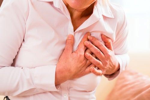 Sintomas atípicos de um infarto nas mulheres