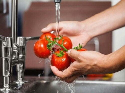 Como limpar frutas e verduras de pesticidas e bactérias