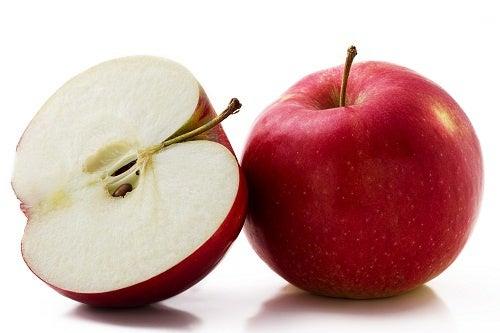 As maçãs são alimentos fonte de vitaminas