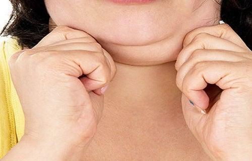 3 formas de diminuir a papada e tonificar o pescoço