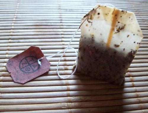Saquinhos de chá usados