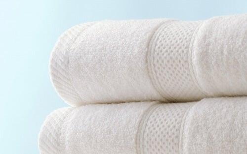 Truques para ter toalhas mais absorventes e sem mau odor