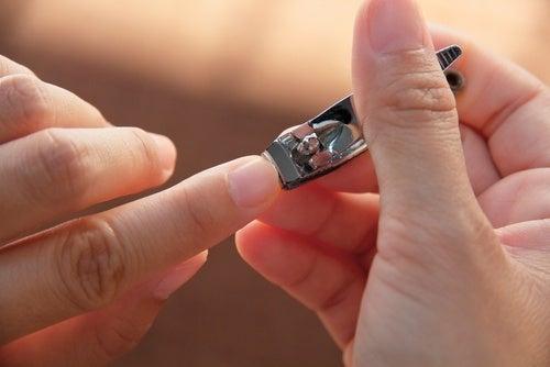 Cortador de unhas que não deve ser compartilhado