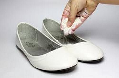 Mal-olor-en-los-zapatos-500x328