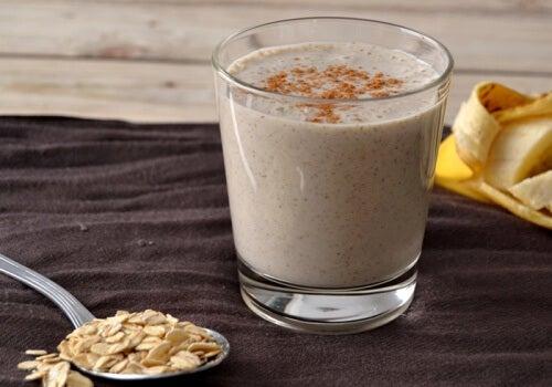 5 incríveis benefícios que a aveia traz ao seu café da manhã