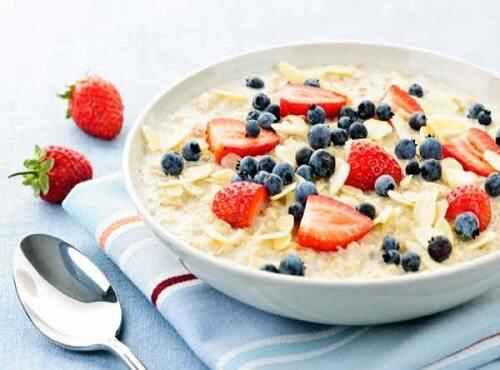 Opção de café da manhã para combater a prisão de ventre