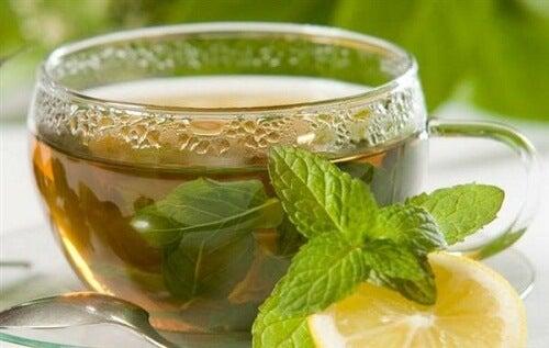 Chá-verde para dor nas articulações