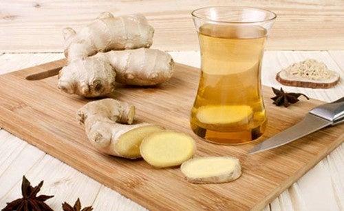 Os chás com gengibre podem ajudar a prevenir os acufenos
