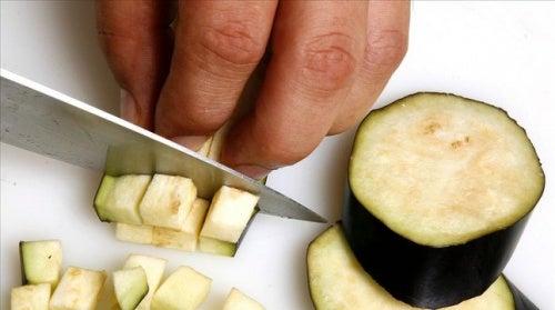 Saiba porque a berinjela não pode faltar em sua dieta